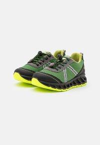 Primigi - Sneakersy niskie - verde mela/nero - 1