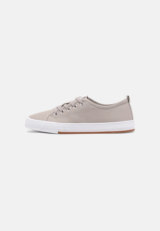 SIMONA - Sneakers basse - light grey