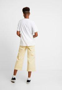 Carhartt WIP - CHASY - Basic T-shirt - white - 2