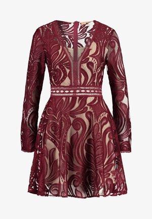 TEMPESTUOUS DRESS - Cocktail dress / Party dress - berry