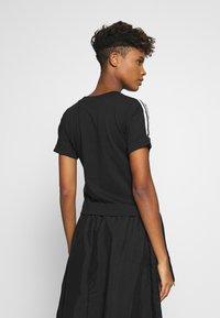 adidas Originals - TREFOIL SHORT SLEEVE TEE - T-shirts med print - black - 2