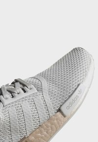 adidas Originals - NMD_R1 SHOES - Trainers - grey - 8