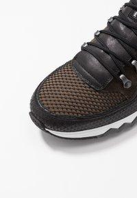 Floris van Bommel - NINETI - Sneaker low - dark green - 5