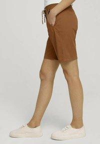 TOM TAILOR - Shorts - caramel brown - 3