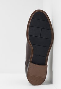 Tommy Hilfiger - DRESS CASUAL TOECAP CHELSEA - Stivaletti - brown - 4