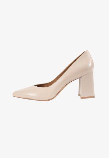 Classic heels - moonlight