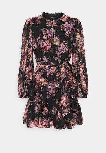 SUTTON PETITE SKATER DRESS - Denní šaty - dark vienna