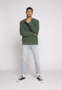 Levi's® - 501® '93 STRAIGHT - Straight leg jeans - light-blue denim - 3