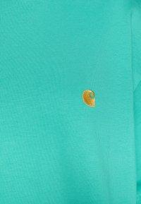 Carhartt WIP - CHASE  - T-paita - yoda/gold - 2