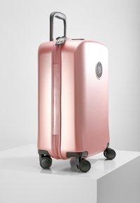 Kipling - CURIOSITY S - Luggage - metallic rust - 4