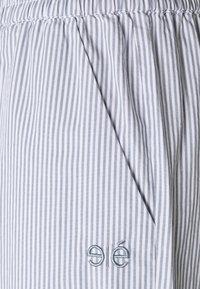 esmé studios - VIVIAN - Shorts - blue/white - 2