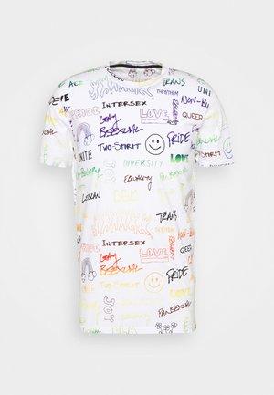 PRIDE - Camiseta estampada - white/beige/light blue