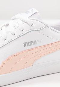 Puma - SMASH - Joggesko - white/peach parfait/silver - 2