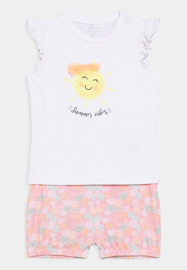 JANE - T-shirt z nadrukiem - bright white