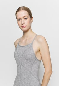 Free People - SIDE TO SIDE PERFORMANCE - Combinaison d'échauffement - grey combo - 3