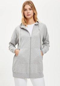 DeFacto - Zip-up hoodie - grey - 0