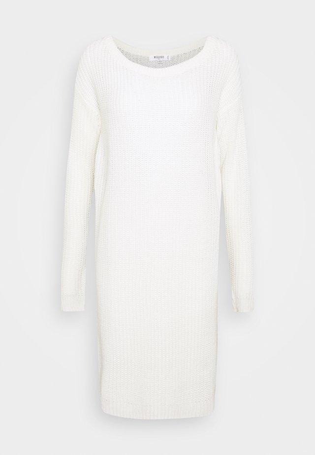 AYVAN OFF SHOULDER JUMPER DRESS - Neulemekko - white
