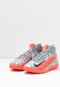 Nike Performance - MERCURIAL JR 7 ACADEMY IC UNISEX - Halové fotbalové kopačky - metallic bomber grey/black/particle grey - 3