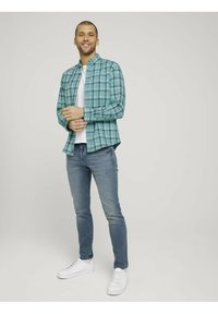 TOM TAILOR - Shirt - green space yarn check - 1