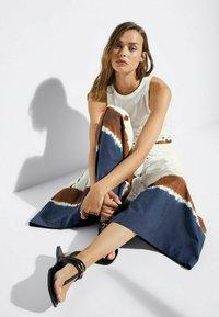 Massimo Dutti - Maxi skirt - white - 3