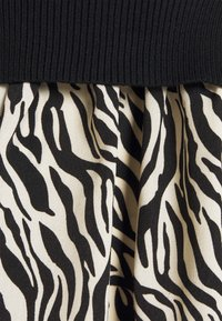 New Look - ZEBRA   - Jumper - black - 2