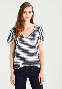 Object - OBJTESSI SLUB - T-shirt basic - mood indigo/white - 0