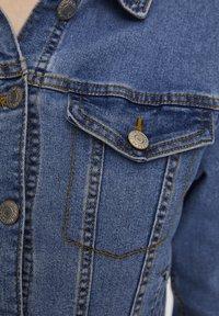 PULL&BEAR - Spijkerjas - light blue - 5