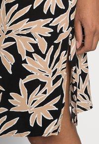 comma - Shirt dress - black/beige - 4