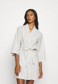 Anna Field - Dressing gown - light grey - 0
