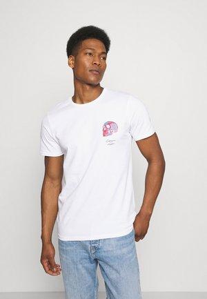 CALVA TEE - Print T-shirt - white