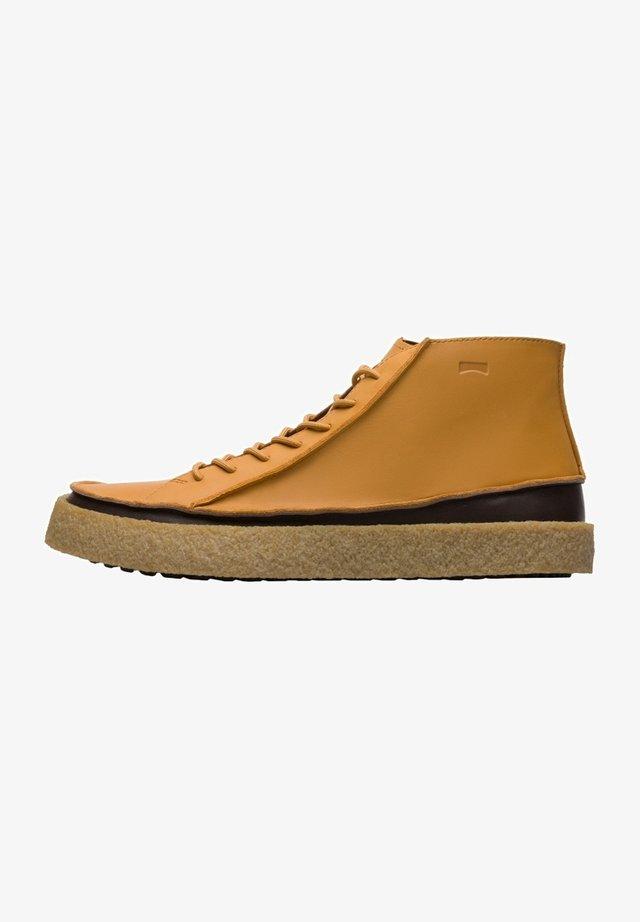 Sneakersy wysokie - gelb