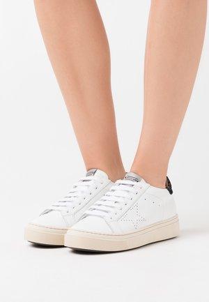 ANDREA - Trainers - bianco