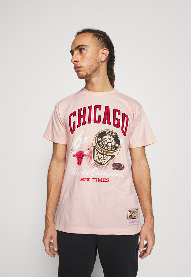 NBA CHICAGO BULLS RINGS TEE - Article de supporter - pink
