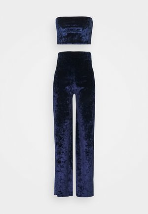 CRUSHED VELVET BANDEAU AND TROUSER - Trousers - navy