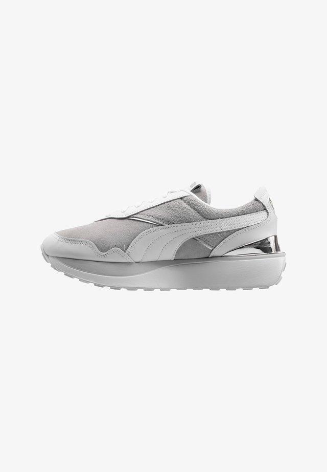 Sneaker low - graulilaweiss