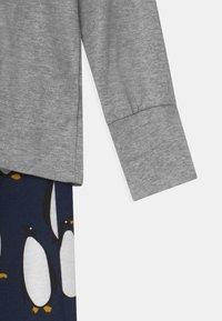 Lindex - PENGUIN UNISEX - Pyžamová sada - grey melange - 3