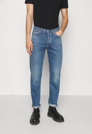 ARCHER - Zúžené džíny - bottle blue