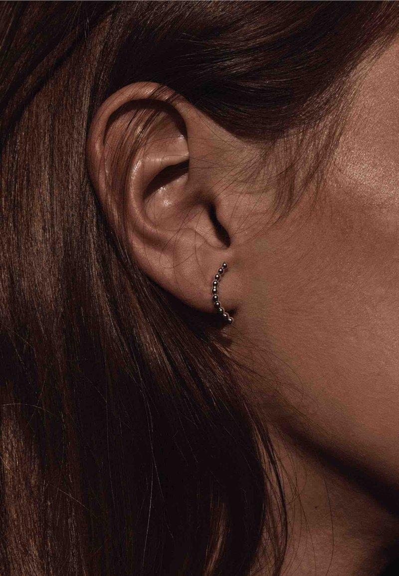 No More - CHAMPAGNE EARRINGS - Earrings - silver