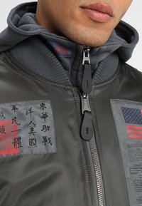 Alpha Industries - BLOOD CHIT - Veste mi-saison - greyblack - 6