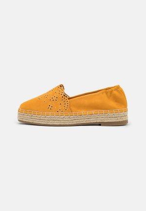 Loafers - mango