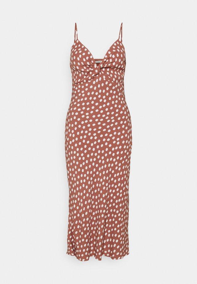 WIDE STRAP SLIP MIDI DRESS - Day dress - rust