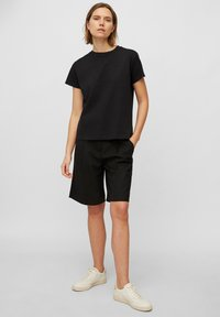Marc O'Polo - Basic T-shirt - black - 1