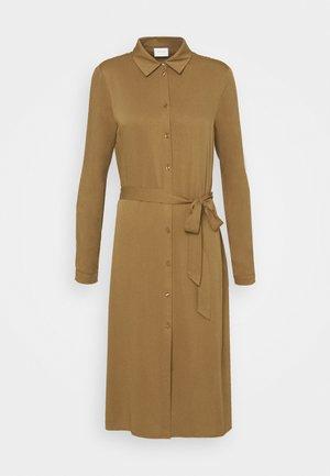 VIDANIA BELT DRESS - Paitamekko - butternut