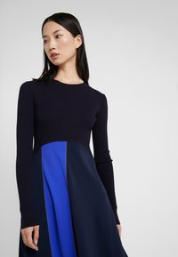 Sportmax Code - RUPIA - Strikket kjole - blau - 3