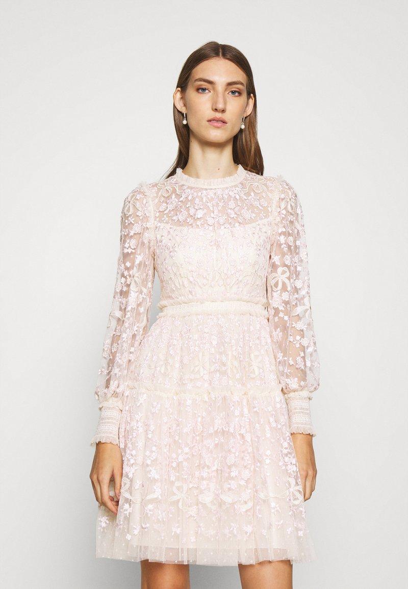 Needle & Thread - EMILANA DRESS - Koktejlové šaty/ šaty na párty - champagne