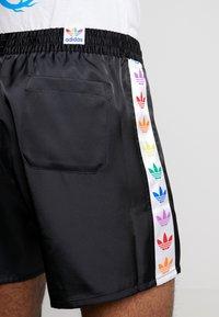 adidas Originals - PRIDE - Shorts - black/white - 3