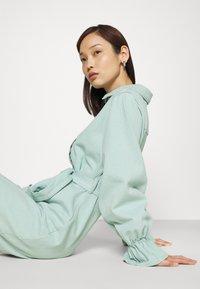 Missguided - FRILL CUFF SHIRT DRESS - Denim dress - sage - 3