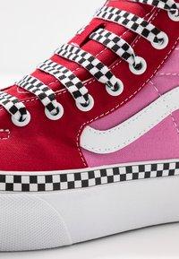 Vans - SK8 PLATFORM  - Sneakers hoog - chili pepper/fuchsia pink - 2