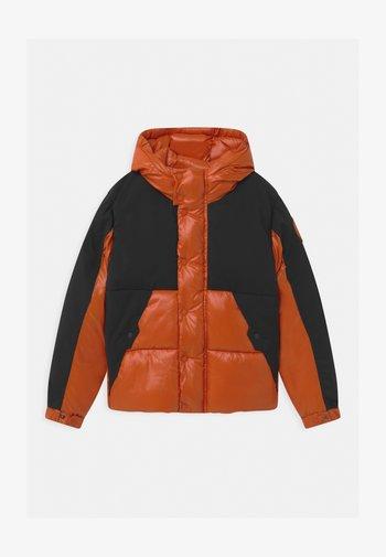 LUMAY - Zimní bunda - black/ginger orange