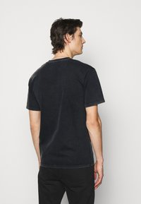 The Kooples - WALK ON THE WILD SIDE - Printtipaita - black washed - 2